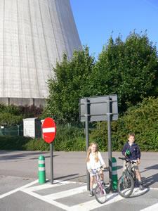 Tihange : les tours de refroidissement de la centrale nucléaire