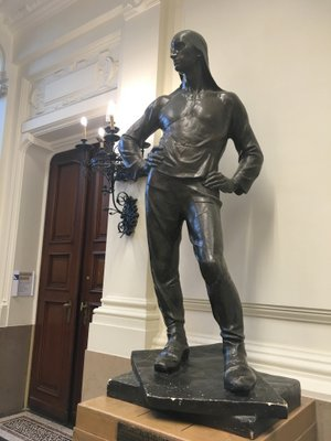 Anderlecht : statue de Constantin Meunier à l'hôtel de ville