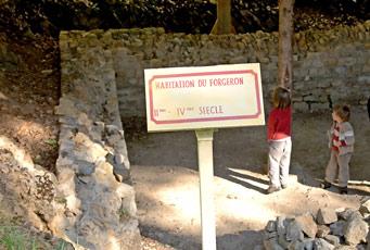Ruines de l'habitation du forgeron