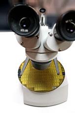 Circuits imprimés à découvrir au microscope