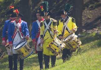 Le bataillon des canaris et ses invités du folklore namurois