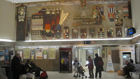 Fresque monumentale à la gare de La Louvière Centre