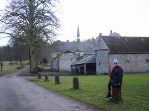 Ferme-château au pied de l'abbaye de Maredsous